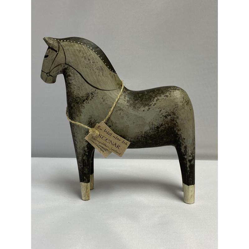 Täljd häst målad i grå toner